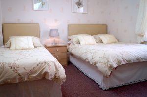 Lindsay Guesthouse bedroom